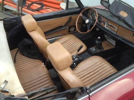 1968 Fiat 124 Spider interior