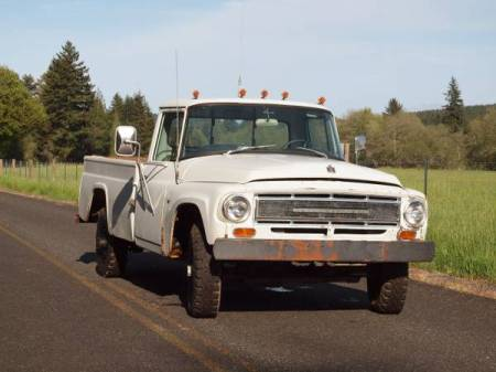 1968 International 1200 Deluxe right front