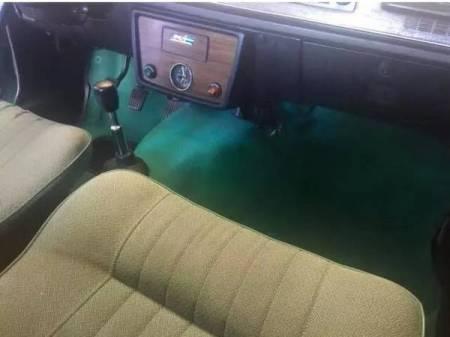 1972 Volvo 142E interior