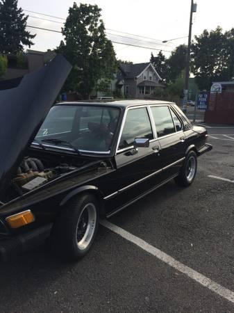 1977 BMW 530i left front