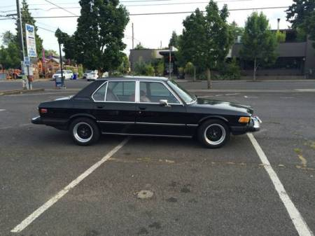 1977 BMW 530i right side