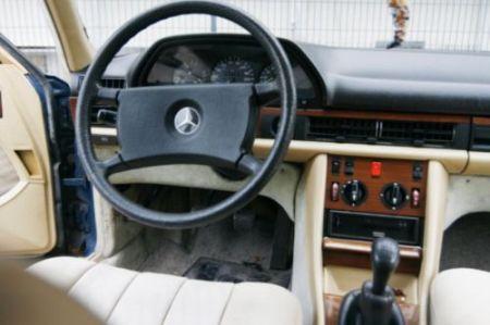 1982 Mercedes 280S interior