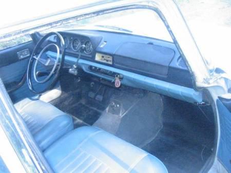 1969 Peugeot 404 interior