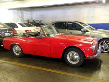 1970 Datsun 1600 Roadster right front