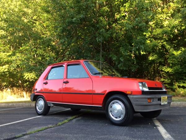 the voiture 1982 renault le car rusty but trusty. Black Bedroom Furniture Sets. Home Design Ideas