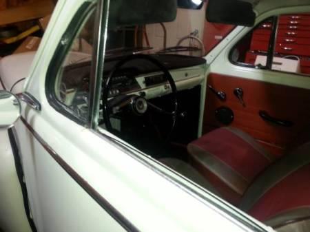 1964 Volvo 544 interior
