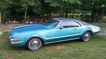 1968 Oldsmobile Toronado 2 left front