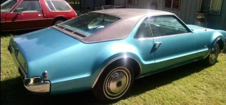1968 Oldsmobile Toronado 2 right rear