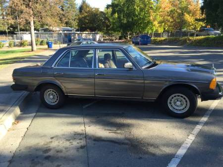 1983 Mercedes 300D Turbodiesel right front