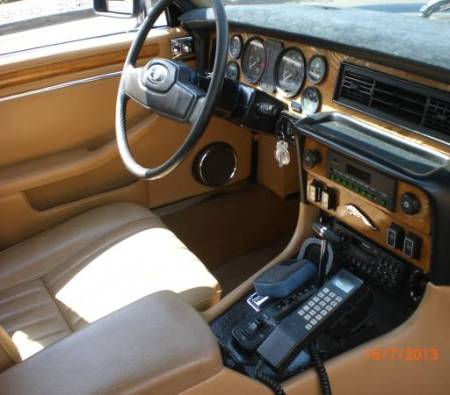 1986 Jaguar XJ6 interior