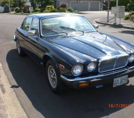 1986 Jaguar XJ6 right front