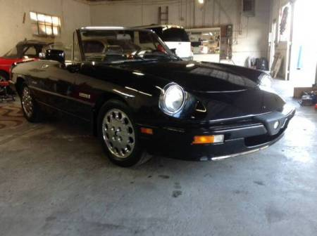 1987 Alfa Romeo Spider Quadrifoglio right front