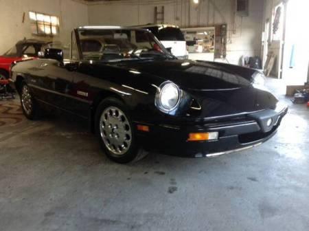 1987 Alfa Romeo Spider Quadrifoglio right front