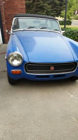 1972 MG Midget nose