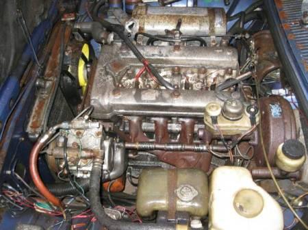 1977 Alfa Romeo Alfetta GT 2 engine
