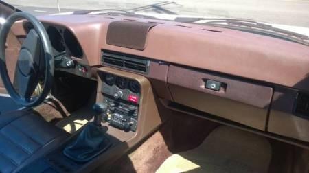 1979 Porsche 924 interior
