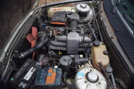 1984 BMW 733i engine