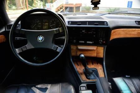 1984 BMW 733i interior