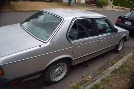 1984 BMW 733i right rear