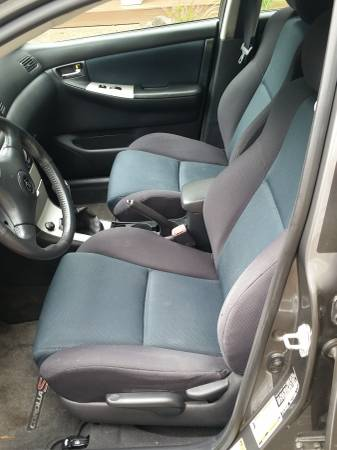2005 Toyota Corolla XRS interior