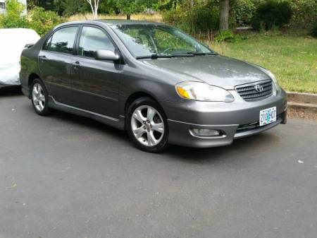 2005 Toyota Corolla XRS right front