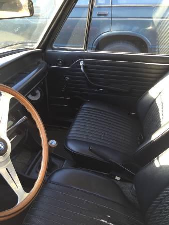 1975 BMW 2002 2 interior