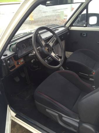 1981 Toyota Pickup interior
