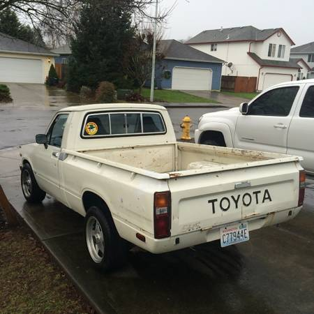 1981 Toyota Pickup left rear