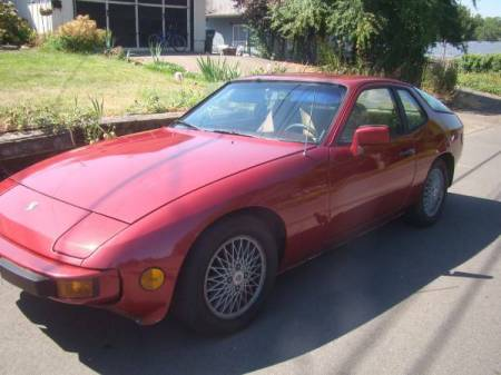 1982 Porsche 924 left front