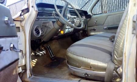 1962 Buick Electra 225 interior
