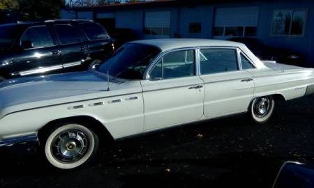 1962 Buick Electra 225 left front