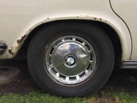 1970 BMW 2800 rear fender