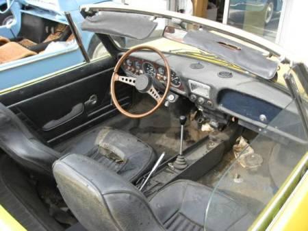1970 Fiat 850 Spider 2 interior