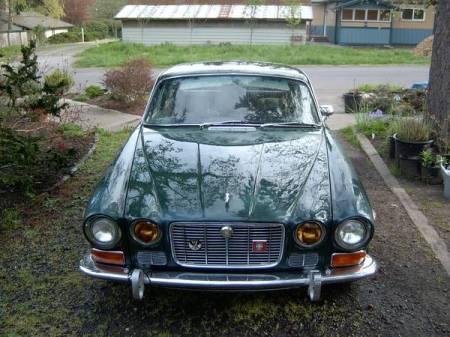1973 Jaguar XJ6 front