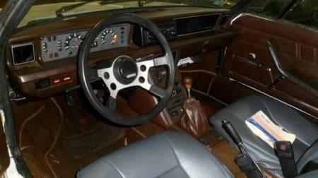 1975 Fiat X19 interior
