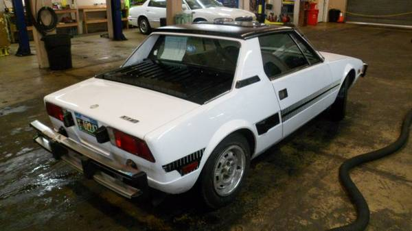white wedgy 1975 fiat x1 9 rusty but trusty. Black Bedroom Furniture Sets. Home Design Ideas