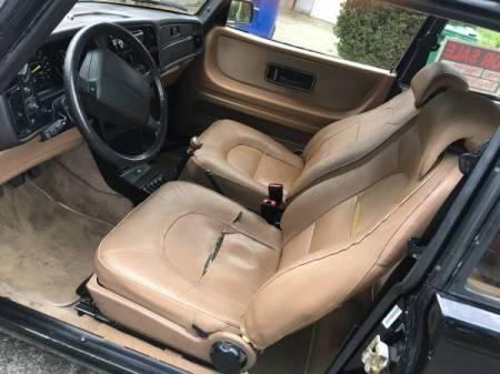 1990 Saab 900 Turbo interior