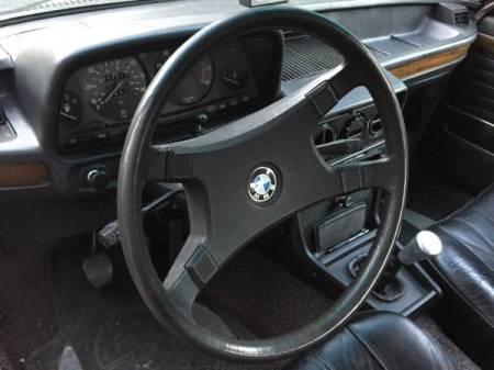 1980 BMW 528i interior