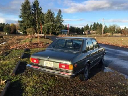 1980 BMW 528i right rear