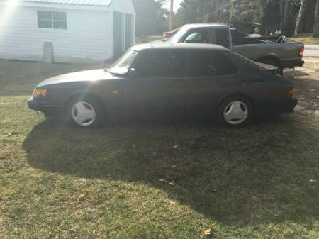 1988 Saab 900 SPG left side