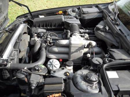 1990 BMW 735iL engine