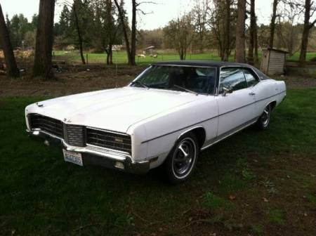 1970 Ford LTD XL left front