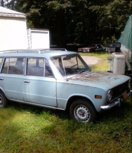 1973 Fiat 124 Wagon right front
