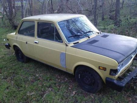 1974 Fiat 128 right front