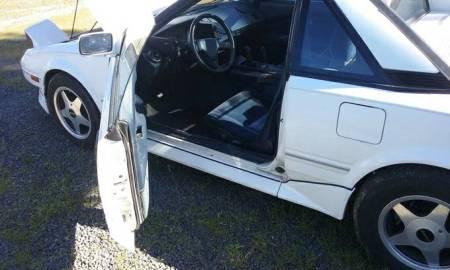 1988 Toyota MR2 SC interior