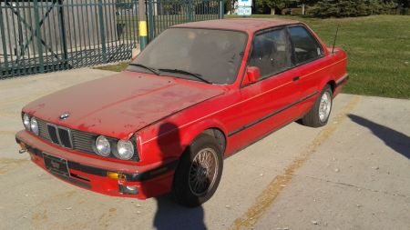 1991 BMW 318iS left front
