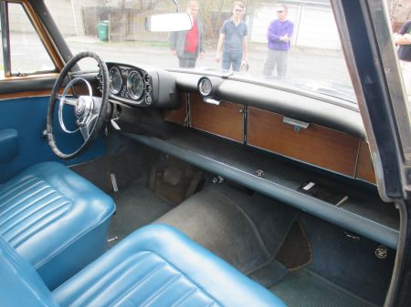 1962 Rover P5 interior