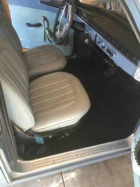 1962 Volvo 122S interior