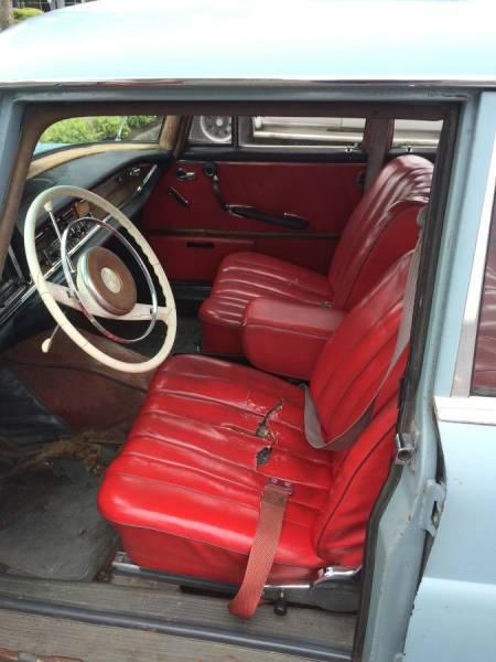 1963 Mercedes 220 interior