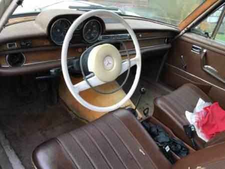 1968 Mercedes 250S interior